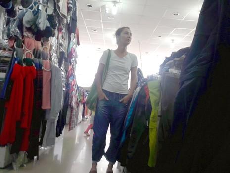 Chợ nước ngoài ở Sài Gòn - kỳ 2: Chợ Nga với búp bê và rượu - ảnh 5