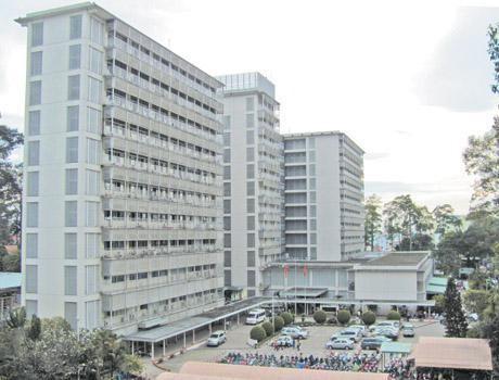 Nữ bệnh nhân đem xăng vào bệnh viện tự tử sau một ngày xuất viện - ảnh 1