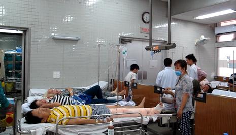 Các bệnh nhân đang được điều trị tại BV Chợ Rẫy TP.HCM. ẢNH: H.P