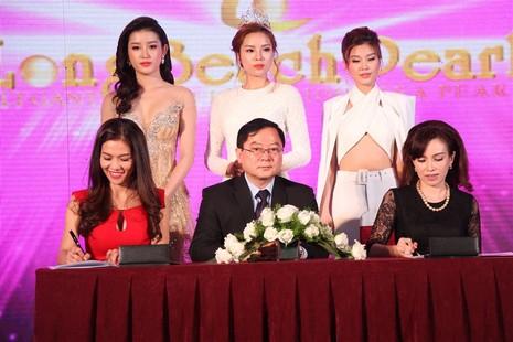 Tám hoa hậu, á hậu Việt Nam cùng đọ sắc - ảnh 4