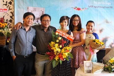 Ban văn trẻ chúc mừng nhà văn Tiểu Quyên - ảnh 1