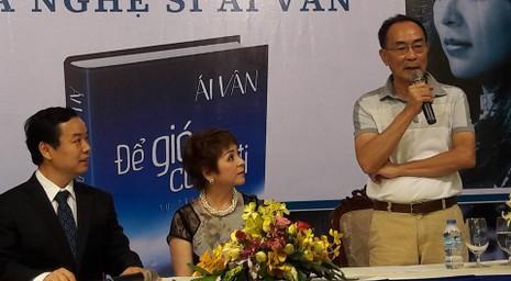 Ra mắt hồi ký của ca sĩ Ái Vân với 8.808 từ bị xóa trắng - ảnh 1