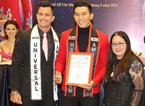 Nam vương thế giới hội ngộ Phạm Hương, Hoàng Yến - ảnh 1