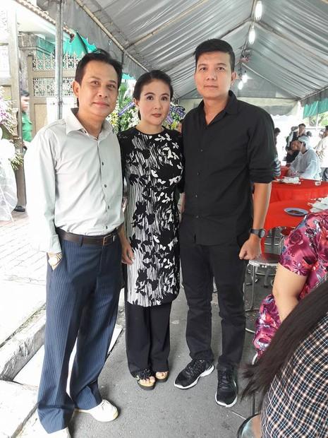 Đông đảo nghệ sĩ, khán giả đến viếng NSND Thanh Tòng - ảnh 13