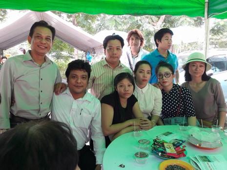 Đông đảo nghệ sĩ, khán giả đến viếng NSND Thanh Tòng - ảnh 14