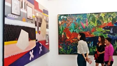 Góc nhìn trái ngược trong triển lãm tranh người và thú - ảnh 1