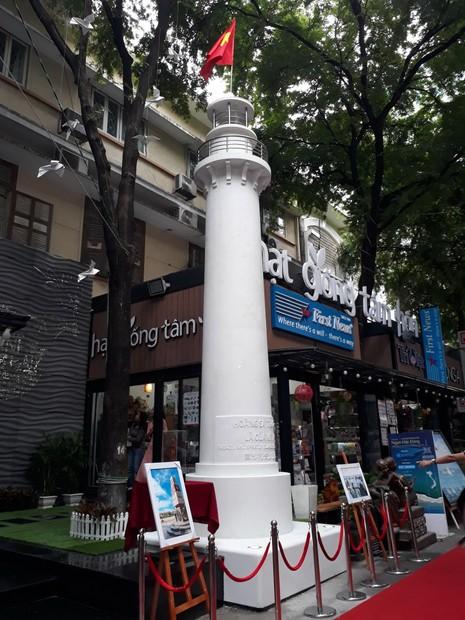 Khánh thành ngọn hải đăng Hoàng Sa-Trường Sa tại TP.HCM - ảnh 1