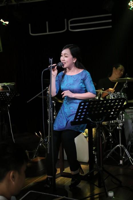 Quang Linh bất ngờ xuất hiện ở 'Duyên dáng Việt Nam 28' - ảnh 3