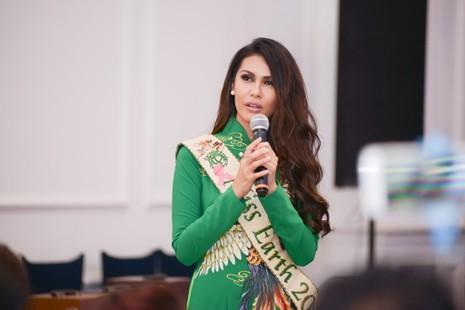 Người đẹp quốc tế ồ ạt đến 'Hoa khôi du lịch VN' - ảnh 7