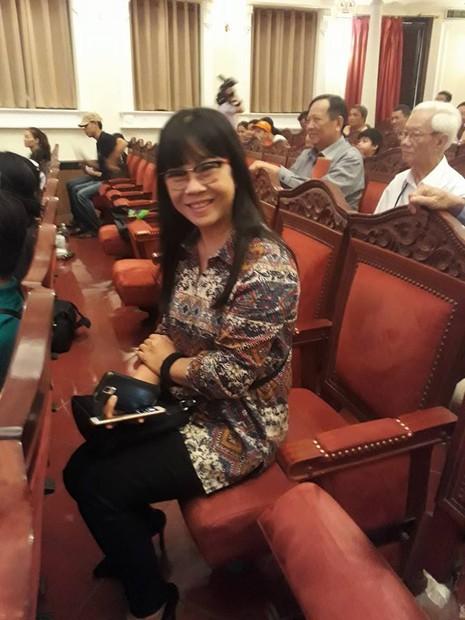Kỳ nữ Kim Cương trao quà tết cho nghệ sĩ - ảnh 9