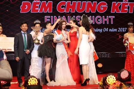 Á quân Sao Mai Hoàng Thủy đăng quang Hoa hậu Doanh nhân - ảnh 3