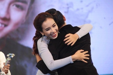 Sơn Tùng MTP và Tiên Tiên đại thắng 'Làn Sóng Xanh 2015' - ảnh 5