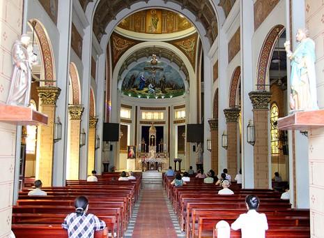 Hạnh Thông Tây - nhà thờ cổ 'độc nhất vô nhị' - ảnh 8