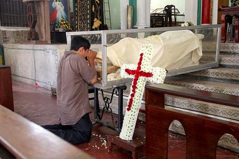 Khám phá nhà thờ trên 100 tuổi của người Hoa ở Sài Gòn - ảnh 13