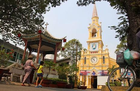 Khám phá nhà thờ trên 100 tuổi của người Hoa ở Sài Gòn - ảnh 1
