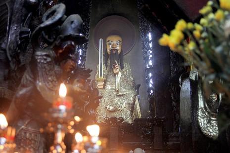 Cận cảnh ngôi chùa 100 tuổi sắp được Tổng thống Obama viếng thăm - ảnh 7