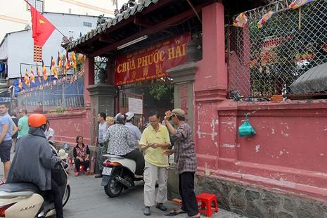 Cận cảnh ngôi chùa 100 tuổi sắp được Tổng thống Obama viếng thăm - ảnh 2