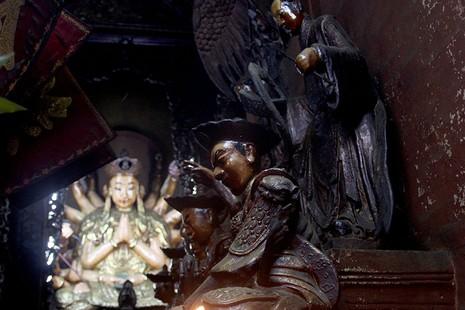 Cận cảnh ngôi chùa 100 tuổi sắp được Tổng thống Obama viếng thăm - ảnh 6