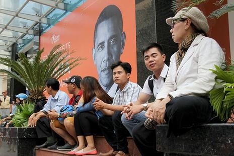 Người Sài Gòn đổ xô đi 'xem mặt' Tổng thống Obama - ảnh 3