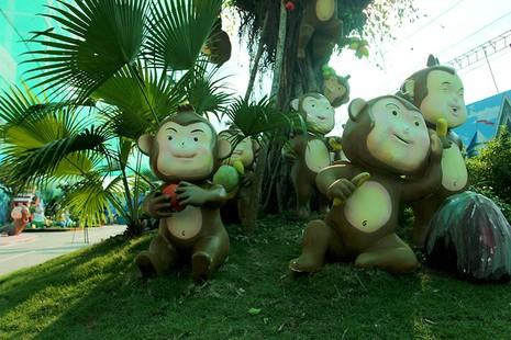 Lộ diện 101 chú khỉ trong khu vui chơi Hollywood tại TP.HCM - ảnh 2