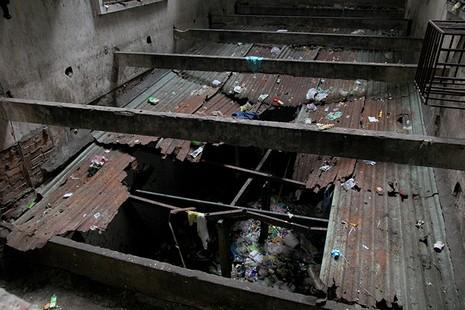 Bên trong chung cư 'ma' sắp được tháo dỡ giữa trung tâm thành phố - ảnh 5