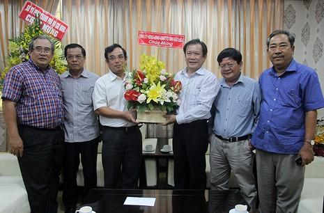 Tỉnh ủy Bạc Liêu thăm và chúc mừng báo Pháp Luật TP.HCM - ảnh 1