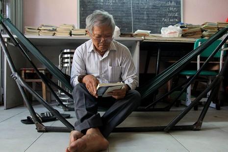 Vợ chồng giáo viên hơn 20 năm dạy miễn phí cho học sinh nghèo - ảnh 7
