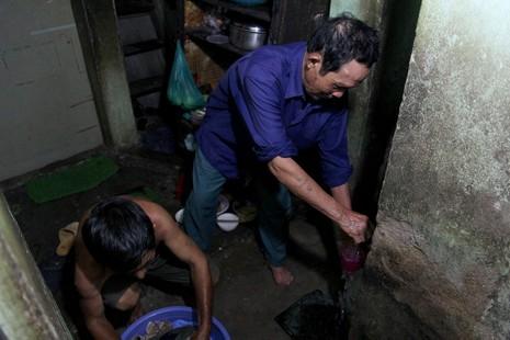 Cuộc sống của 'Đại gia đình' 37 người bán vé số ở Sài Gòn  - ảnh 10