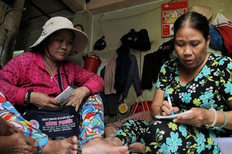 Cuộc sống của 'Đại gia đình' 37 người bán vé số ở Sài Gòn  - ảnh 6