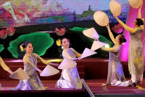 Đặc sắc chương trình kỷ niệm 128 năm ngày sinh Chủ tịch Tôn Đức Thắng - ảnh 6