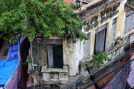Đang đập bỏ ngôi biệt thự cổ số 5 Lê Công Kiều - ảnh 7