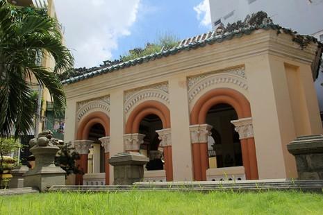 Choáng ngợp trước khu mộ cổ của vợ chồng bá hộ giàu nhất Sài Gòn xưa - ảnh 15