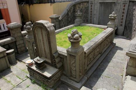 Choáng ngợp trước khu mộ cổ của vợ chồng bá hộ giàu nhất Sài Gòn xưa - ảnh 19