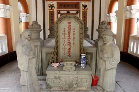 Choáng ngợp trước khu mộ cổ của vợ chồng bá hộ giàu nhất Sài Gòn xưa - ảnh 4