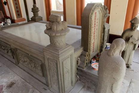 Choáng ngợp trước khu mộ cổ của vợ chồng bá hộ giàu nhất Sài Gòn xưa - ảnh 6