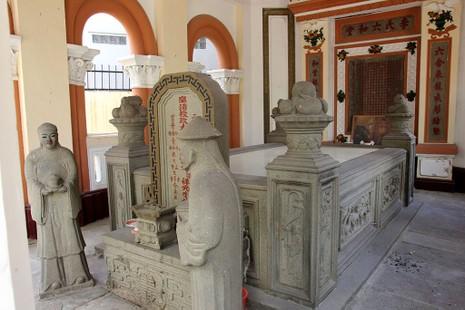 Choáng ngợp trước khu mộ cổ của vợ chồng bá hộ giàu nhất Sài Gòn xưa - ảnh 7