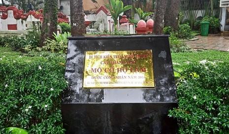 Kỳ bí khu mộ cổ hơn trăm năm trong Công viên Tao Đàn  - ảnh 13