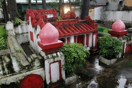Kỳ bí khu mộ cổ hơn trăm năm trong Công viên Tao Đàn  - ảnh 7