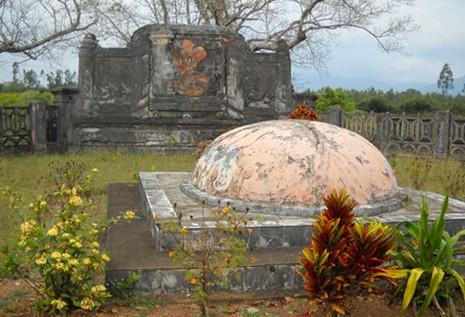 Chuyện ít biết về 3 ngôi mộ của một vị danh tướng triều Nguyễn - ảnh 1