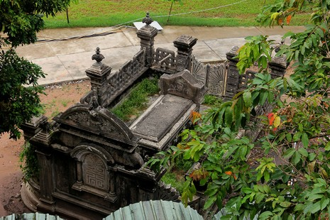 Mộ cổ kiến trúc Pháp trong khuôn viên Học viện Chính trị - Hành chính khu vực II - ảnh 11