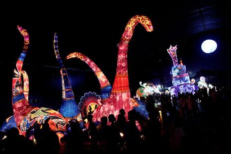 TP.HCM: Gần 20 con vật khổng lồ xuất hiện trong đêm Trung thu - ảnh 2