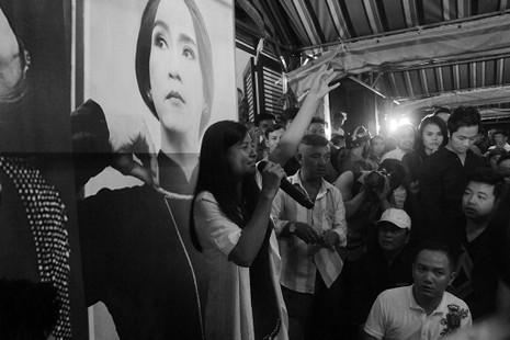 Nghệ sĩ Việt hát tiễn đưa ca sĩ Minh Thuận đến nửa đêm - ảnh 12