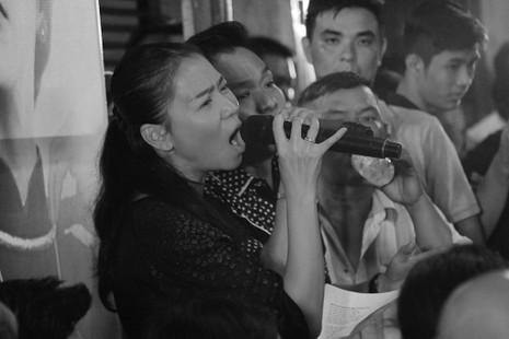 Nghệ sĩ Việt hát tiễn đưa ca sĩ Minh Thuận đến nửa đêm - ảnh 13