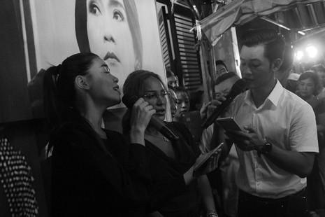 Nghệ sĩ Việt hát tiễn đưa ca sĩ Minh Thuận đến nửa đêm - ảnh 14