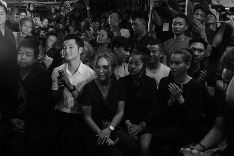 Nghệ sĩ Việt hát tiễn đưa ca sĩ Minh Thuận đến nửa đêm - ảnh 16