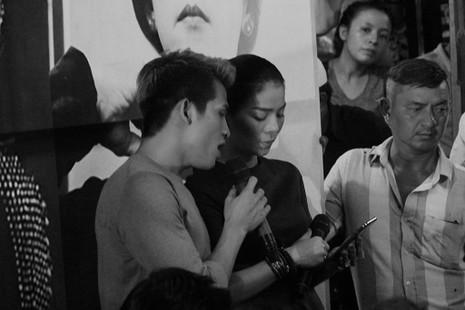 Nghệ sĩ Việt hát tiễn đưa ca sĩ Minh Thuận đến nửa đêm - ảnh 17
