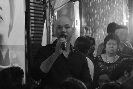 Nghệ sĩ Việt hát tiễn đưa ca sĩ Minh Thuận đến nửa đêm - ảnh 18