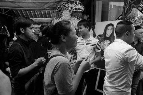 Nghệ sĩ Việt hát tiễn đưa ca sĩ Minh Thuận đến nửa đêm - ảnh 1