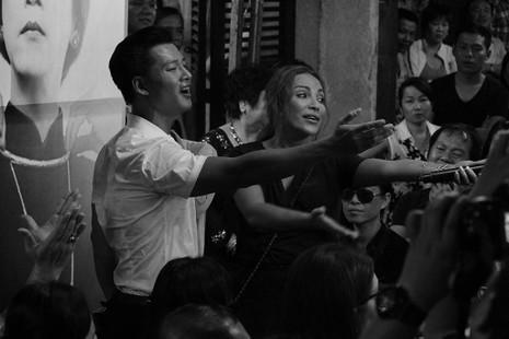 Nghệ sĩ Việt hát tiễn đưa ca sĩ Minh Thuận đến nửa đêm - ảnh 21