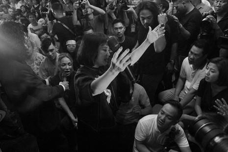 Nghệ sĩ Việt hát tiễn đưa ca sĩ Minh Thuận đến nửa đêm - ảnh 9